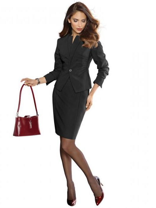 09d23670574 Модные женские костюмы – от спортивных до деловых    SYL.ru