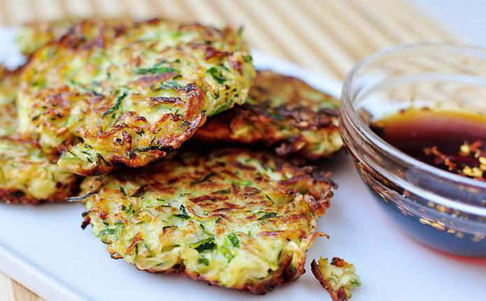 Zucchini recipe with minced meat in a pan