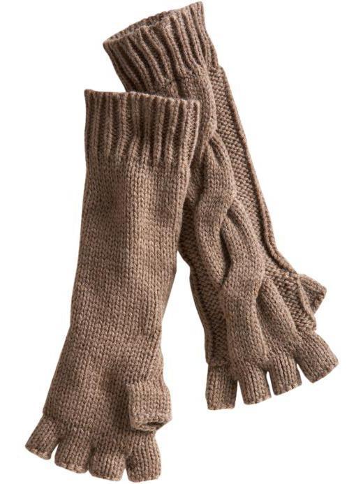 Вяжутся такие перчатки по