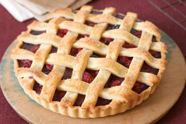 Пирог с ягодами из песочного теста фото