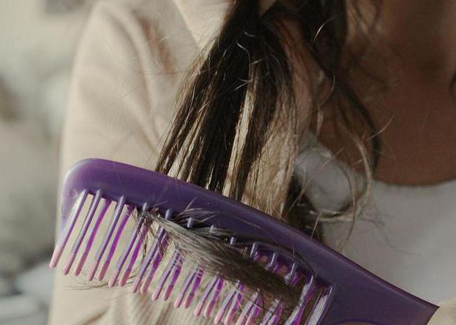 how to quickly dry your hair without a hair dryer at home