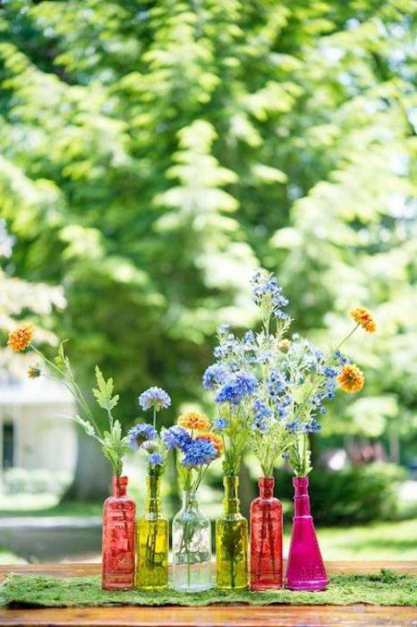 Цветы во флаконах
