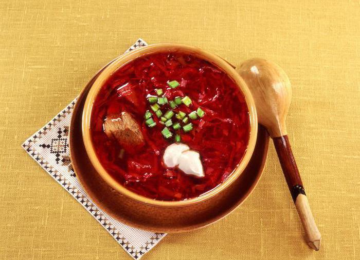 borsch with chicken in a slow cooker
