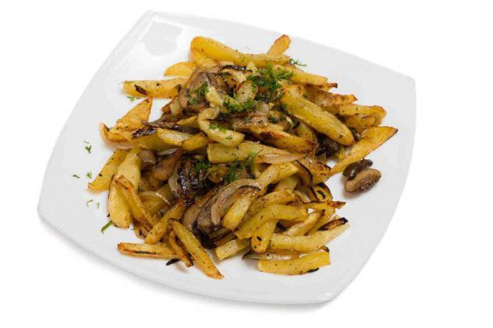 Жареный картофель с грибами и луком