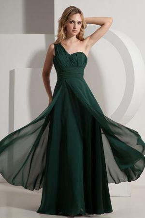 Вечернее темно-зеленое платье