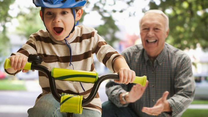 Как быстро научить ребенка кататься на велосипеде
