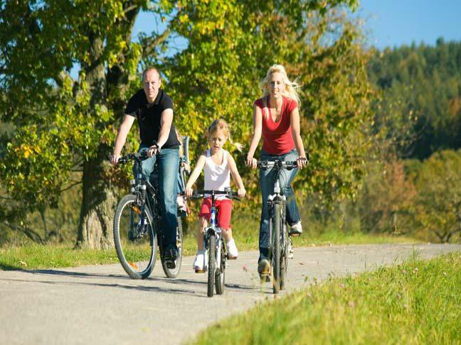 когда учить ребенка кататься на двухколесном велосипеде