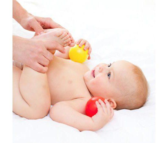 Жидкий стул у ребенка: причины и лечение новорожденного