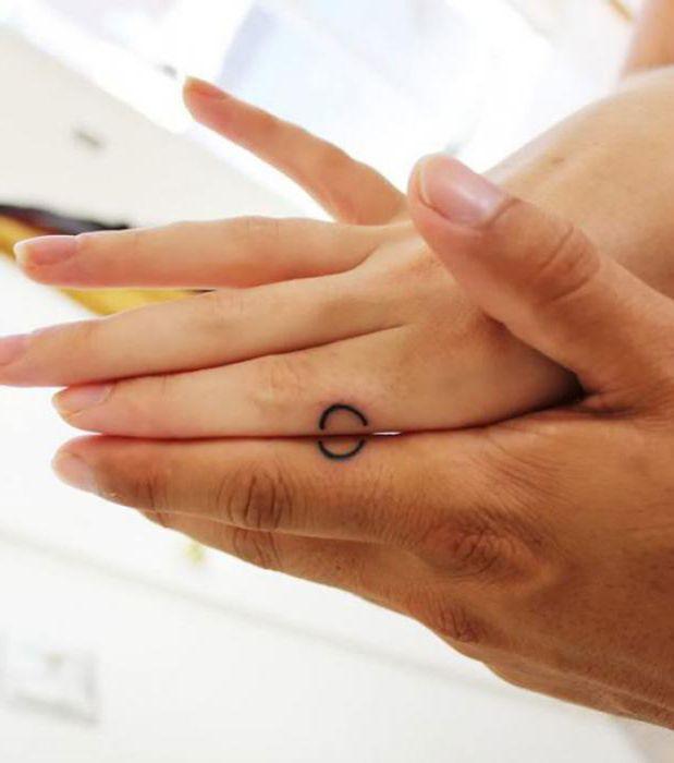 татуировки одинаковые для влюбленных фото