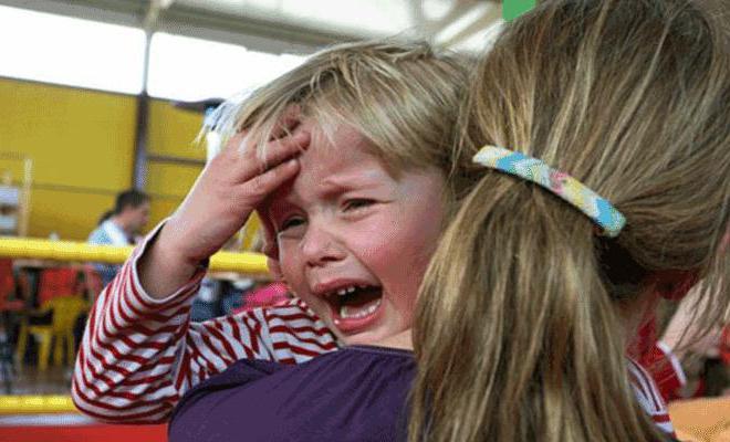 у ребенка температура и болит голова