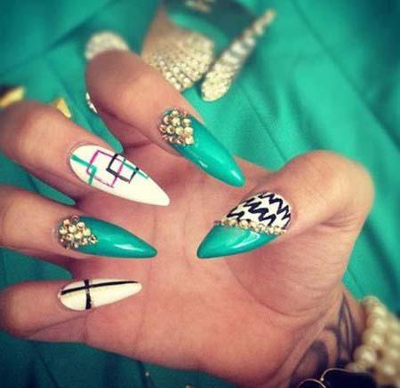 manicure on sharp nails