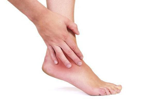 болят ноги от колена до ступни причины