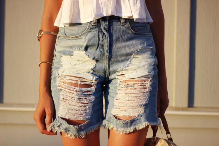 Как сделать из старых джинс модные рваные шорты