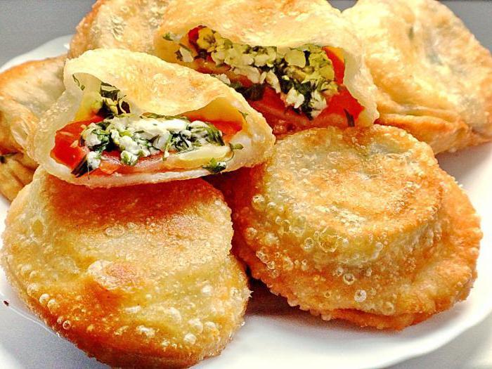 Пирожки с помидором и сыром рецепт с фото