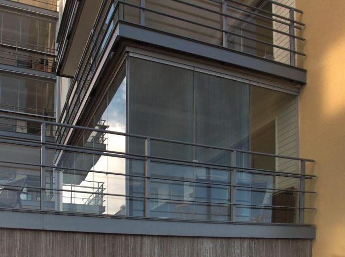 Панорамное остекление балкона, лоджии :: syl.ru.