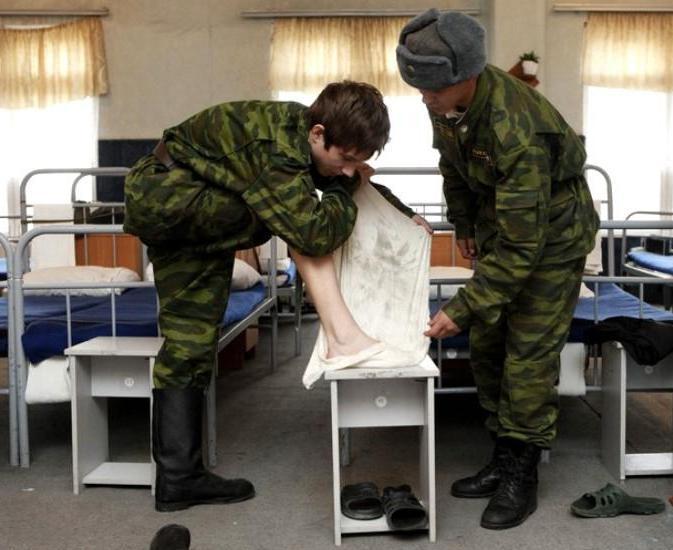как вести себя в армии с дедами