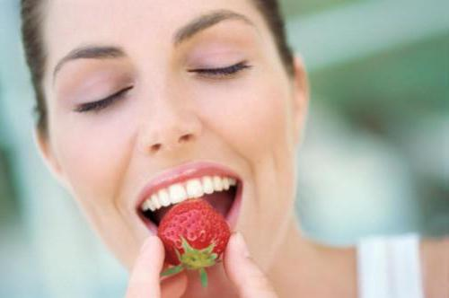 whiten your teeth at home quickly