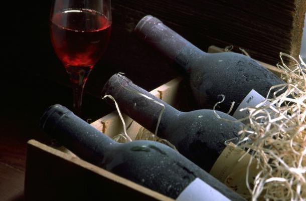 Как хранить сухое вино в домашних условиях