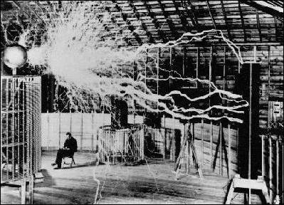 what ball lightning looks like and how dangerous it is