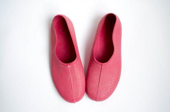 обувь для купания в море с кораллами