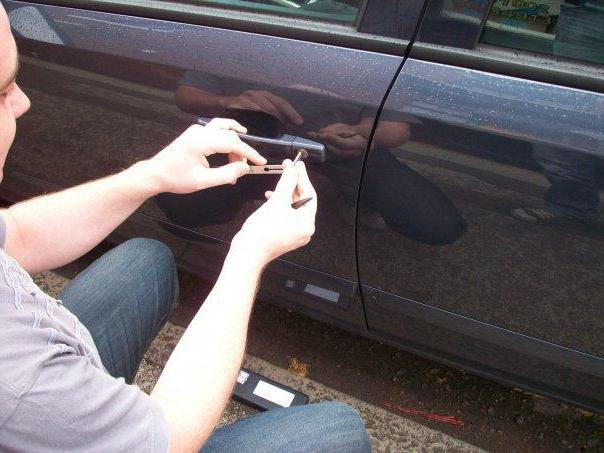 how to open the car without a key