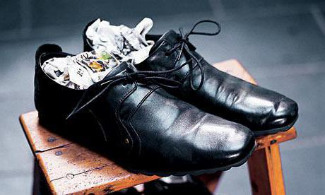 how to stretch leather shoes wide