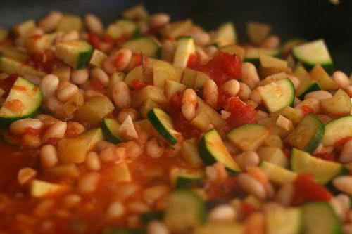 stewed courgettes with peppers and tomatoes