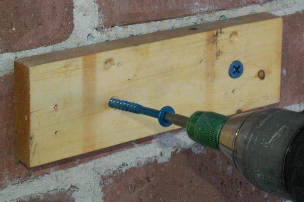 как закрутить нагель в бетон