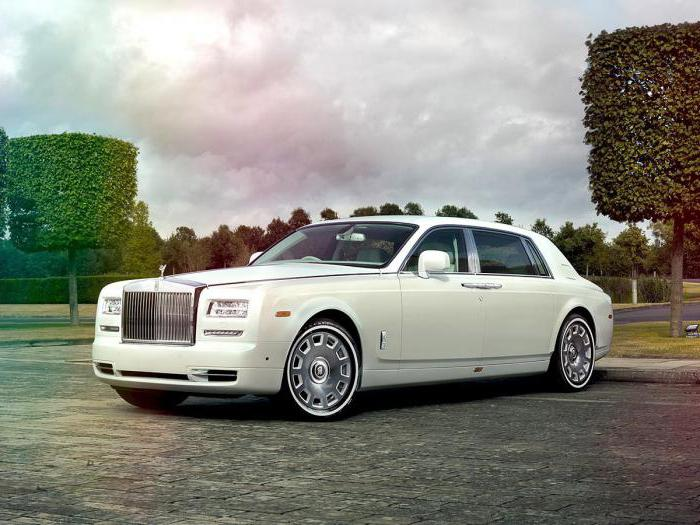 автомобиль Rolls Royce Phantom