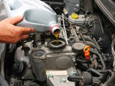 Сколько масла нужно заливать в двигатель ВАЗ