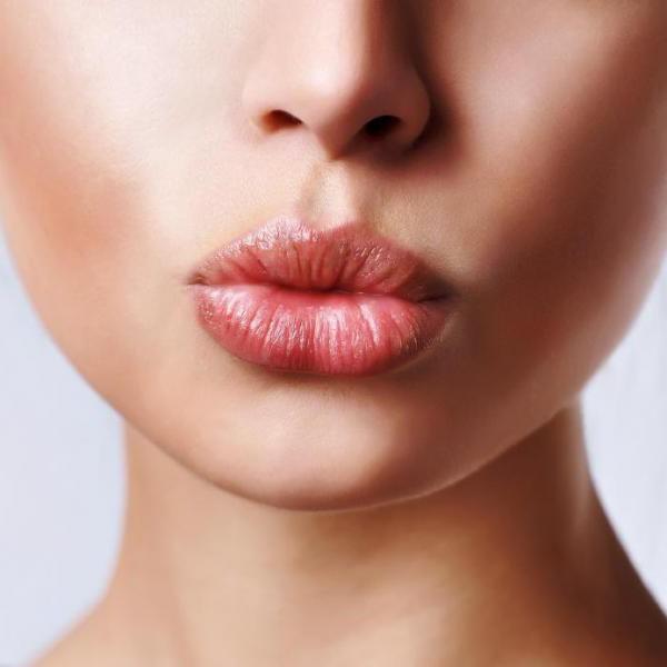 убрать вертикальные морщины над верхней губой