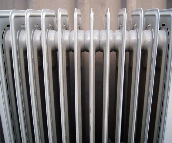 how does a convector differ from an oil heater