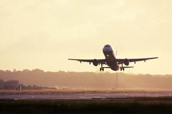 на какой высоте самолет может лететь самом