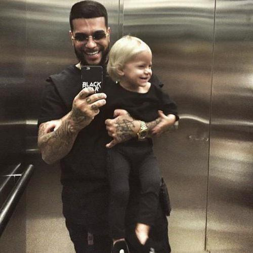 how old is your daughter timati