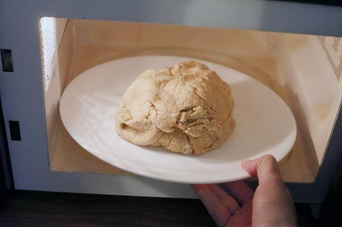 Как быстро разморозить тесто: правила подготовки полуфабрикатов для выпечки