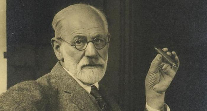 compare and contrast freud and skinners What are the 4 major points for sigmund freud's works and 4 major points for bf skinner's works.
