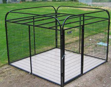 plastic enclosure for dogs in the apartment