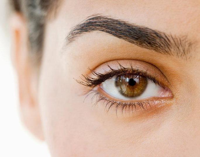 eyebrow correction with wax