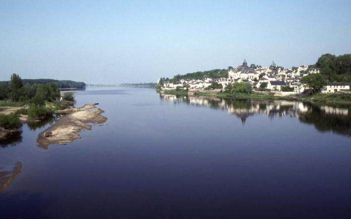 france city river