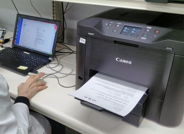 достоинства струйного и лазерного принтера