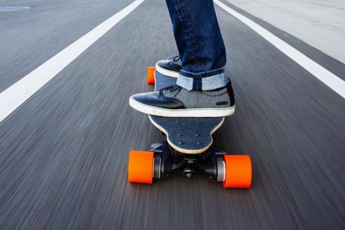 скейтборд на колесах электрический