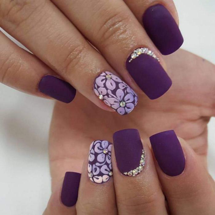 Маникюр в фиолетовом цвете