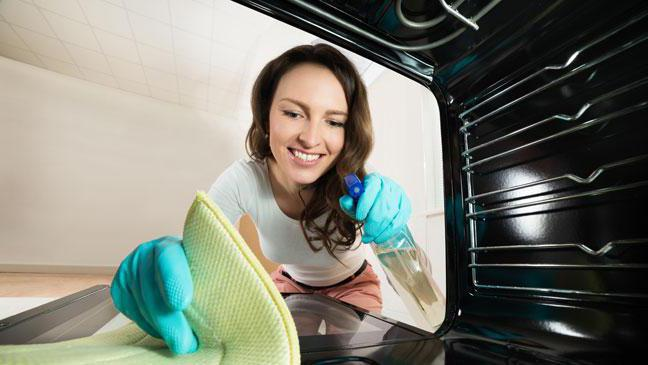 как почистить духовку в газовой плите в домашних условиях
