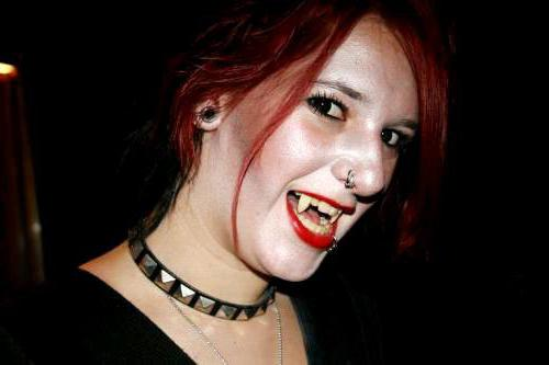 what a vampire looks like on halloween