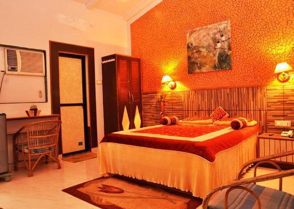 arambol plaza beach resort индия