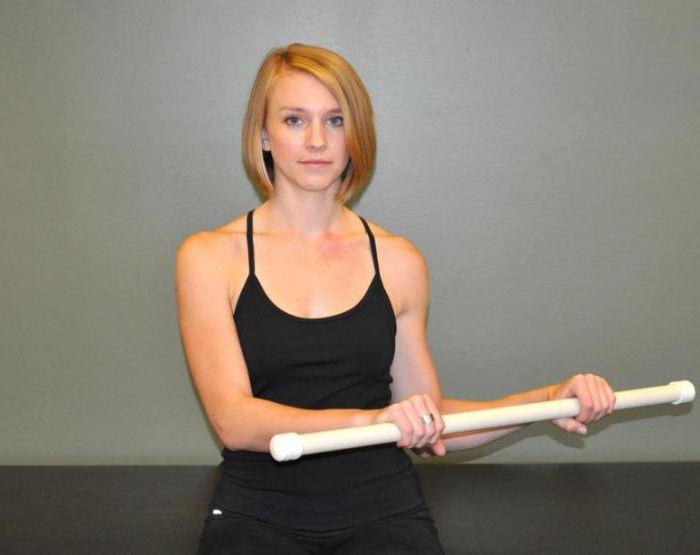 упражнения с палкой для спины