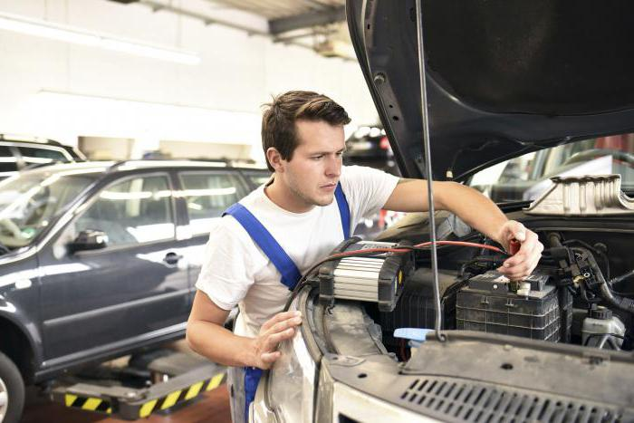 Car battery voltage without load