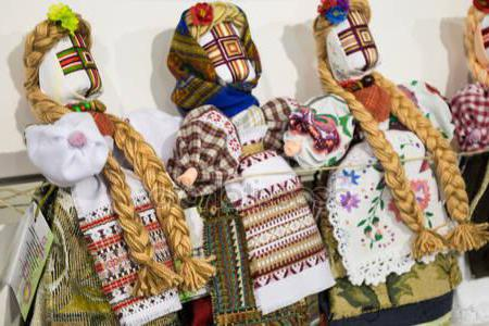 Народные куклы: виды, история, Магия любви и колдовства