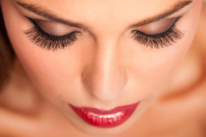 bending eyelashes to build kinds of photos
