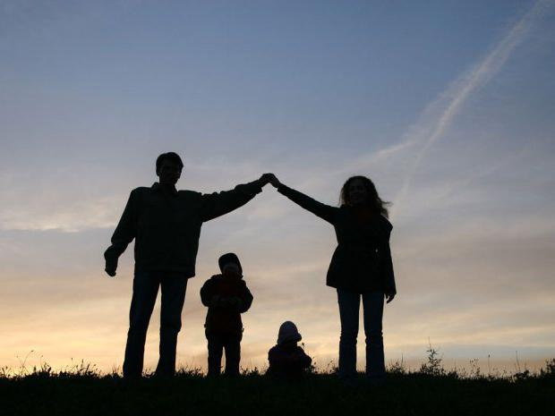 How to stand in line as a young family?